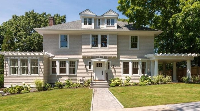 Clinton-Road-Residence-–-Chestnut-Hill-1-Feature