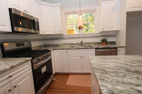 Acorn Place - Single Family - Kitchen